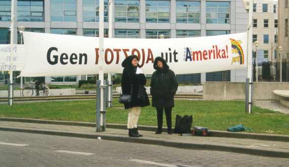 Demonstratie Den Haag, 20-01-2000, Vertegemwoordigers Natuur Wet Partij