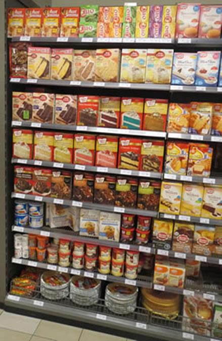 Een muur van gentech producten bij Jumbo