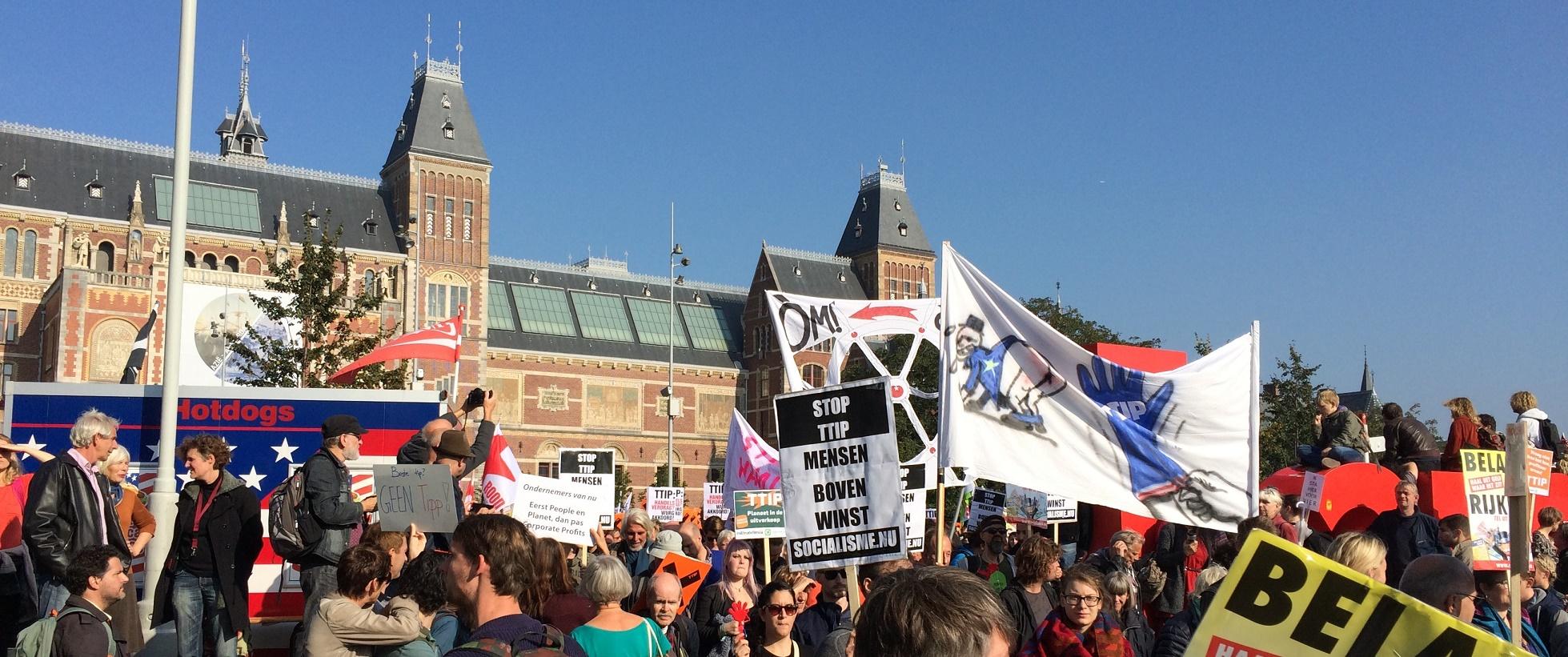 TTIP demo Amsterdam Jonas Danielplein naar Museumplein, JW was er